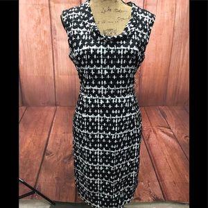 Ann Taylor black /white size 12 dress